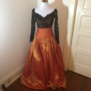 Vintage Chris kole orange & black lace ball gown